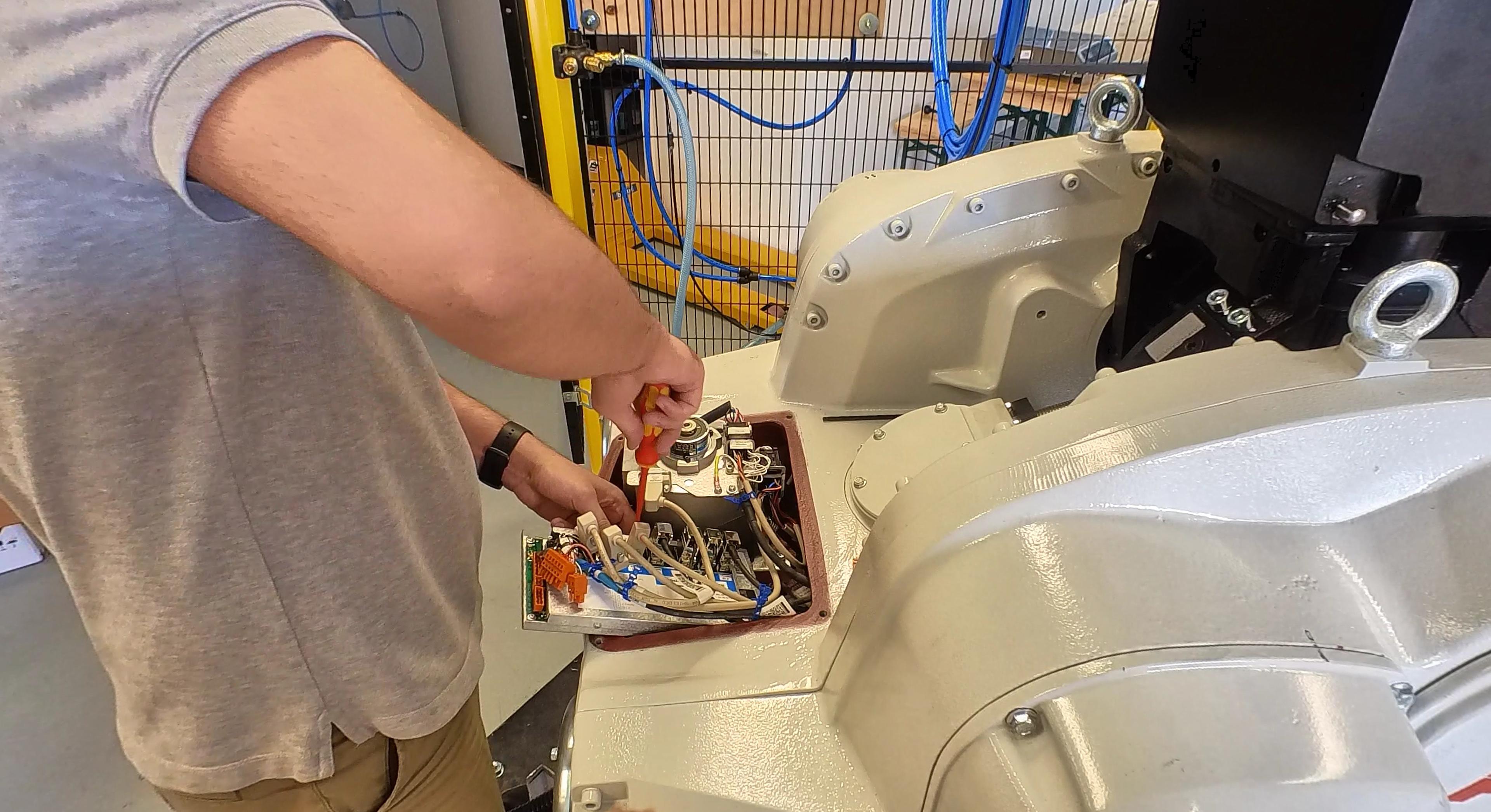 All jobs around the ABB Paint Robots